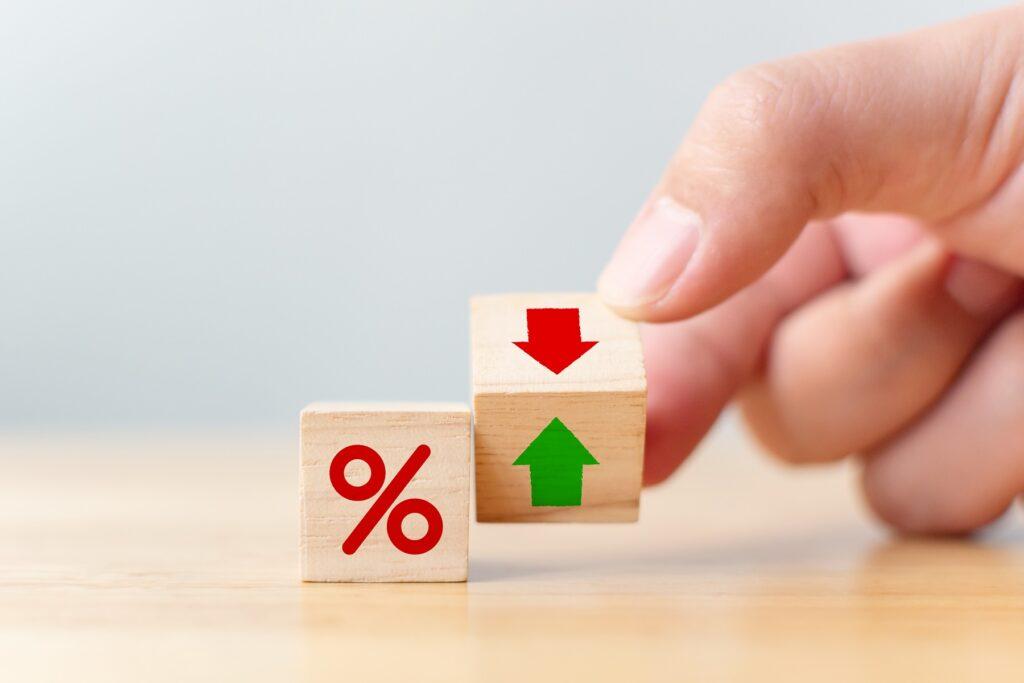 Die Performance des Amundi ETF MSCI World kann sich insbesondere in den vergangen fünf Jahren sehen lassen. Anleger konnten sowohl in den vergangenen drei als auch in den vergangenen fünf Jahren eine jährliche Durchschnittsrendite von über zehn Prozent erzielen.